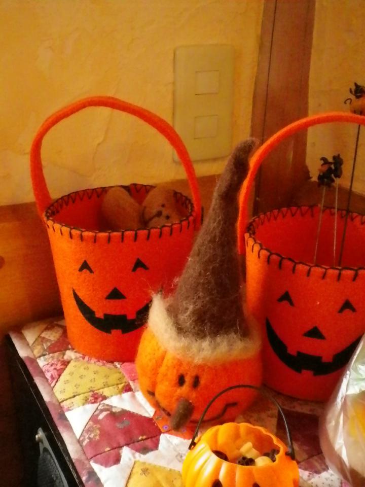 halloween-orange-s.jpg