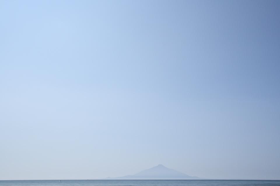 rishiri-blue-s.jpg