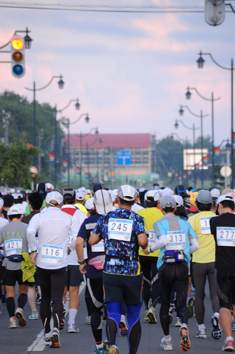 start-marathon-s.jpg